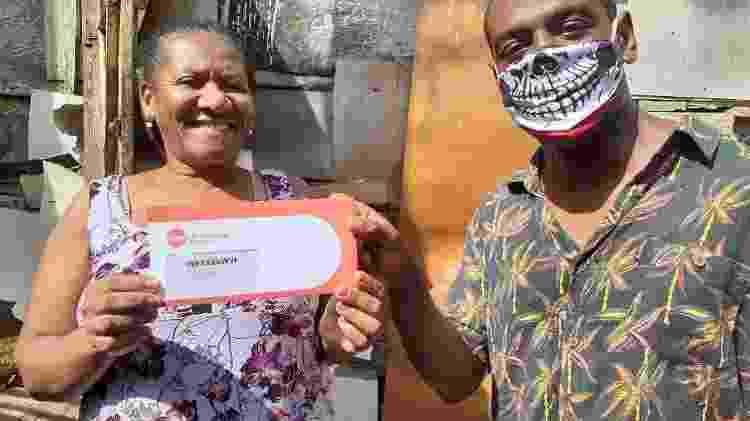 Jefferson Quirino tem o projeto Favela Radical no Morro do Turano, no Rio, e tem ajudado famílias locais na pandemia - Divulgação - Divulgação