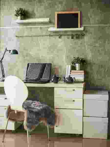 Gaveteiros, local para CPU e apoio para teclado são algumas funcionalidades que fazem a diferença - Getty Images/iStockphoto - Getty Images/iStockphoto