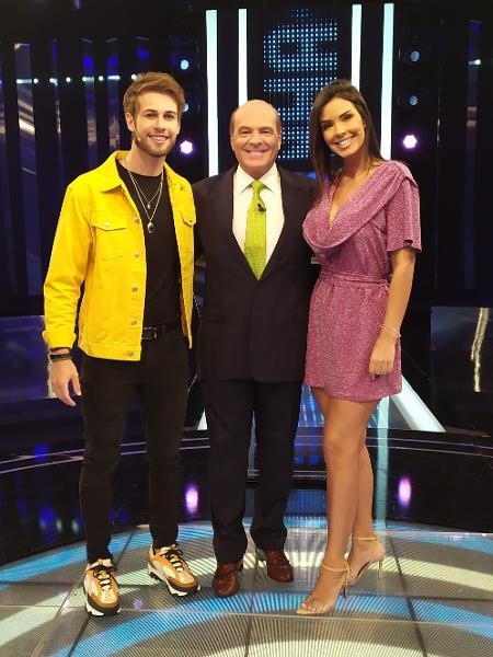 """Junior Villa, Marcelo de Carvalho e Ivy Moraes no programa """"Mega Senha"""" - Divulgação/RedeTV!"""