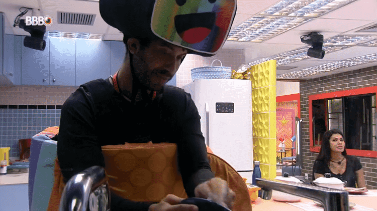 BBB 21: Gilberto revela sua preocupação em conversa na cozinha da xepa - Reprodução/Globoplay - Reprodução/Globoplay