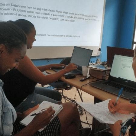 Projeto muda vidas ao ensinar programação para mulheres da periferia  - Reprodução/Instagram