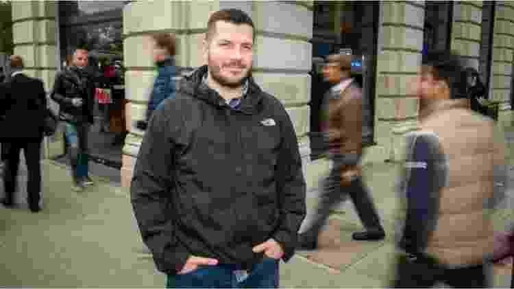 Após acidente, Thomas convive com 'cegueira para feições' - Thomas Leeds/BBC - Thomas Leeds/BBC