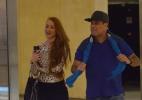 Após assumirem namoro, ex-BBB Aline e Sérgio Mallandro vão juntos ao cinema (Foto: Fabio Moreno/Agnews)