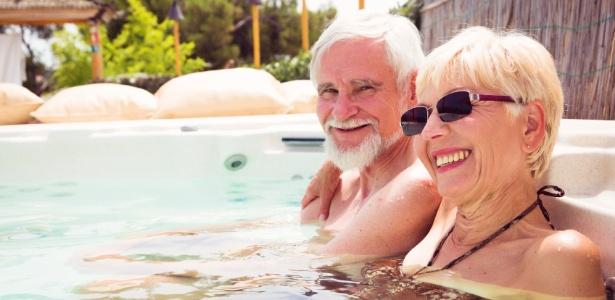Viaje sem pressa: você pode e deve curtir um dia de sol na piscina do hotel - Getty Images