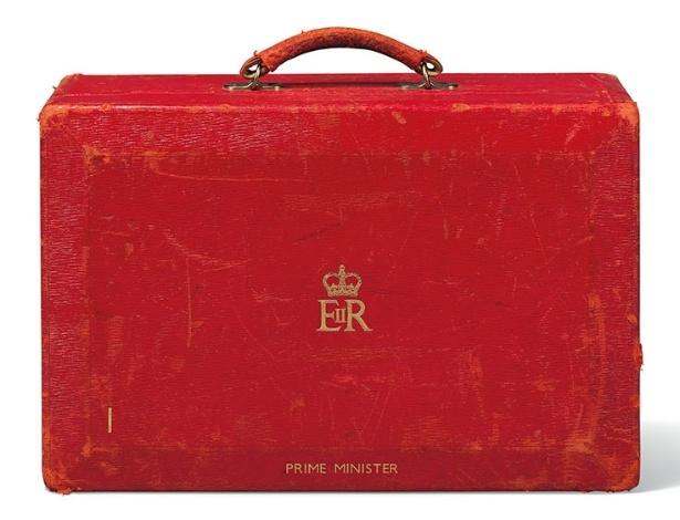 """Bolsa vermelha que Thatcher usou enquanto estava no cargo de primeira ministra estará à venda - Divulgação/Christie""""s"""