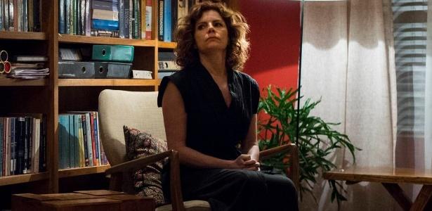 """Elisa (Débora Bloch) não se conforma com a pena do assassino da filha em """"Justiça"""" - Estevam Avellar/TV Globo"""