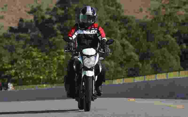 Yamaha Fazer YS 150 2016 - Mario Villaescusa/Infomoto