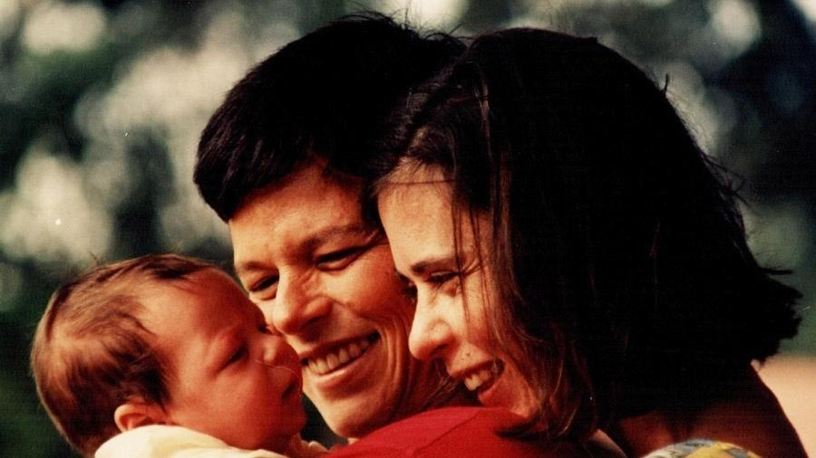 Cássia foi casada com Eugênia por 14 anos. Após sua morte, a guarda do filho, Chicão, ficou com a mulher  - Divulgação