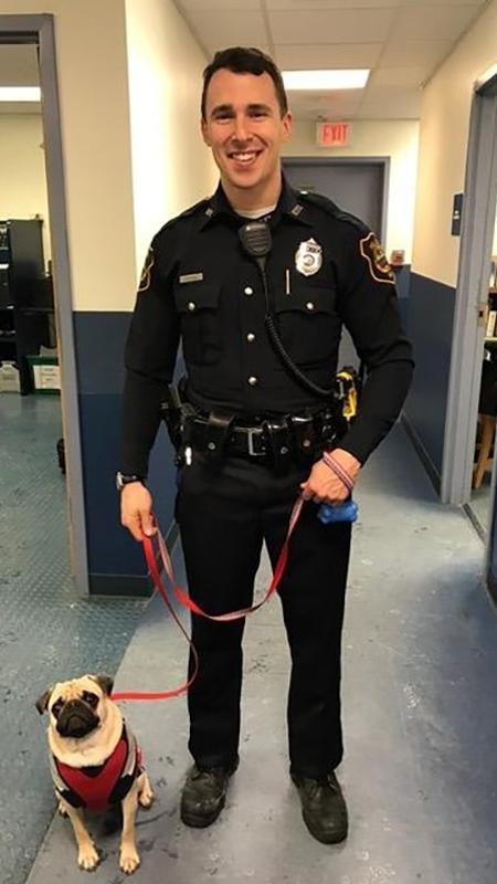 Hercules e um policial do departamento de polícia de Rochester - Reprodução/Facebook