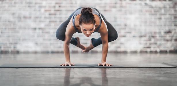 Pesquisadores descobriram que as pessoas que faziam ioga tinham áreas do cérebro associadas à atenção e à memória mais espessas do que as que não praticavam