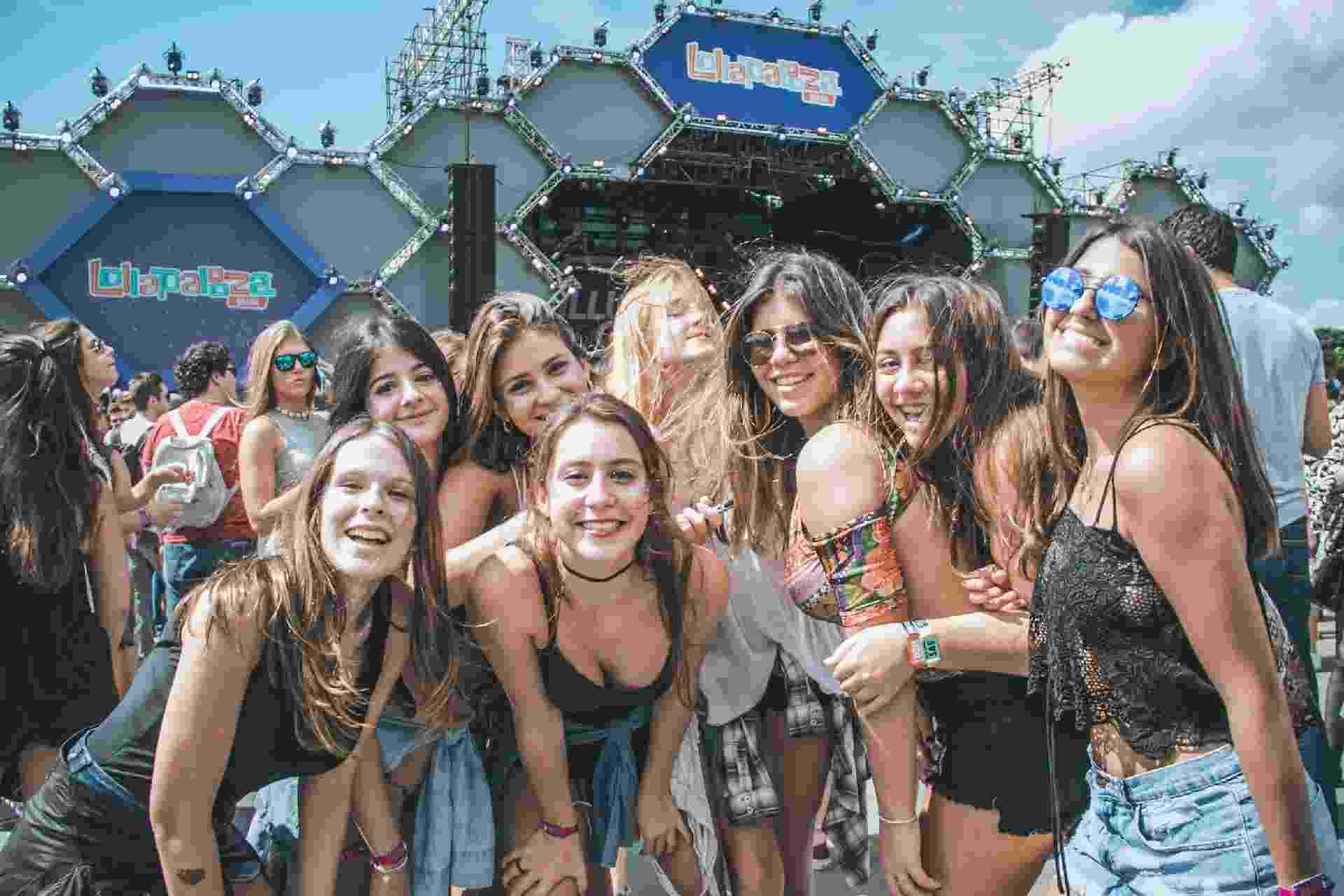 Público aproveita o show do DJ llusionize, no palco Perry's, no segundo dia do festival Lollapalooza - MRossi/Lollapalooza/Divulgação