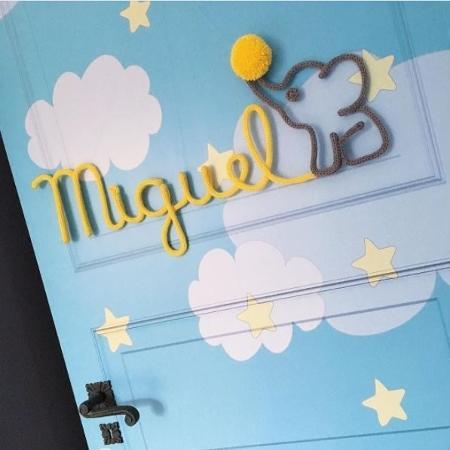 Enfeite de porta da loja A Mamãe Queria - Reprodução/Instagram/@amamaequeria