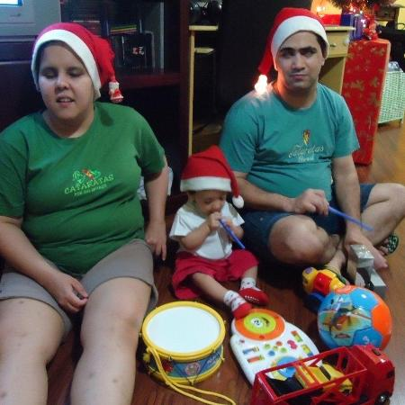 Camila e Anderson com o filho Gabriel - Arquivo pessoal