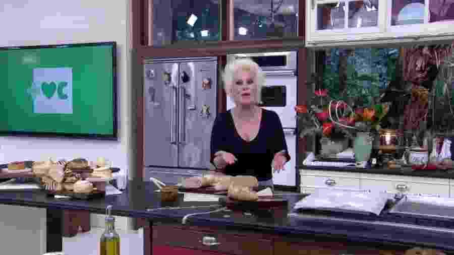 """Ana Maria divide pão suculento em seu """"Mais Você"""", mas ao voltar do comercial se depara com a iguaria destruída pela produção - Reprodução/TV Globo"""