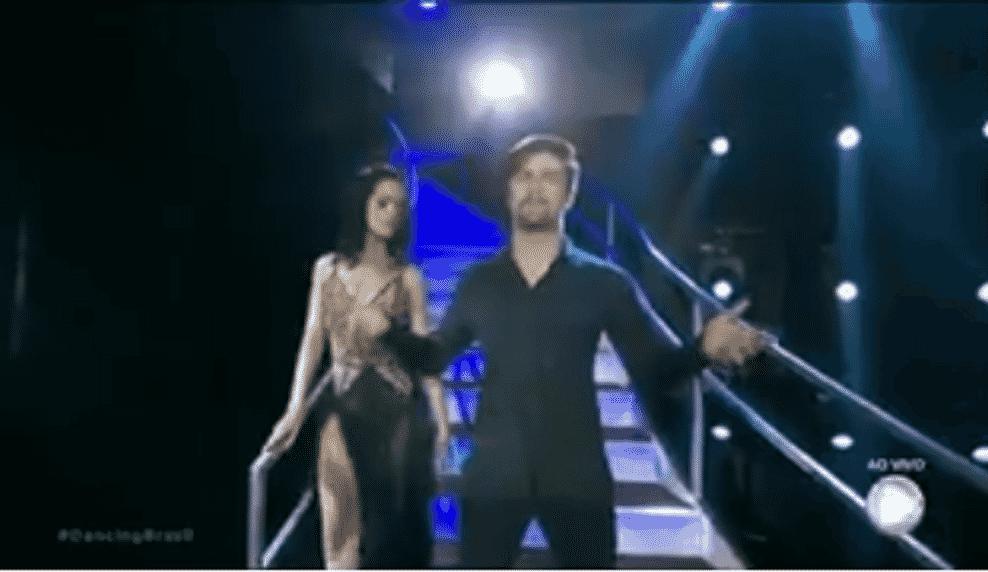 """Raphael Sander dançou rumba ao som de """"Titanic"""" - Reprodução/TV Record"""