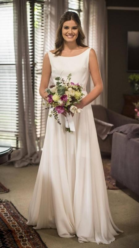 """O vestido de noiva de Luiza, personagem de Camila Queiroz em """"Pega Pega"""" - Reprodução/Instagram"""