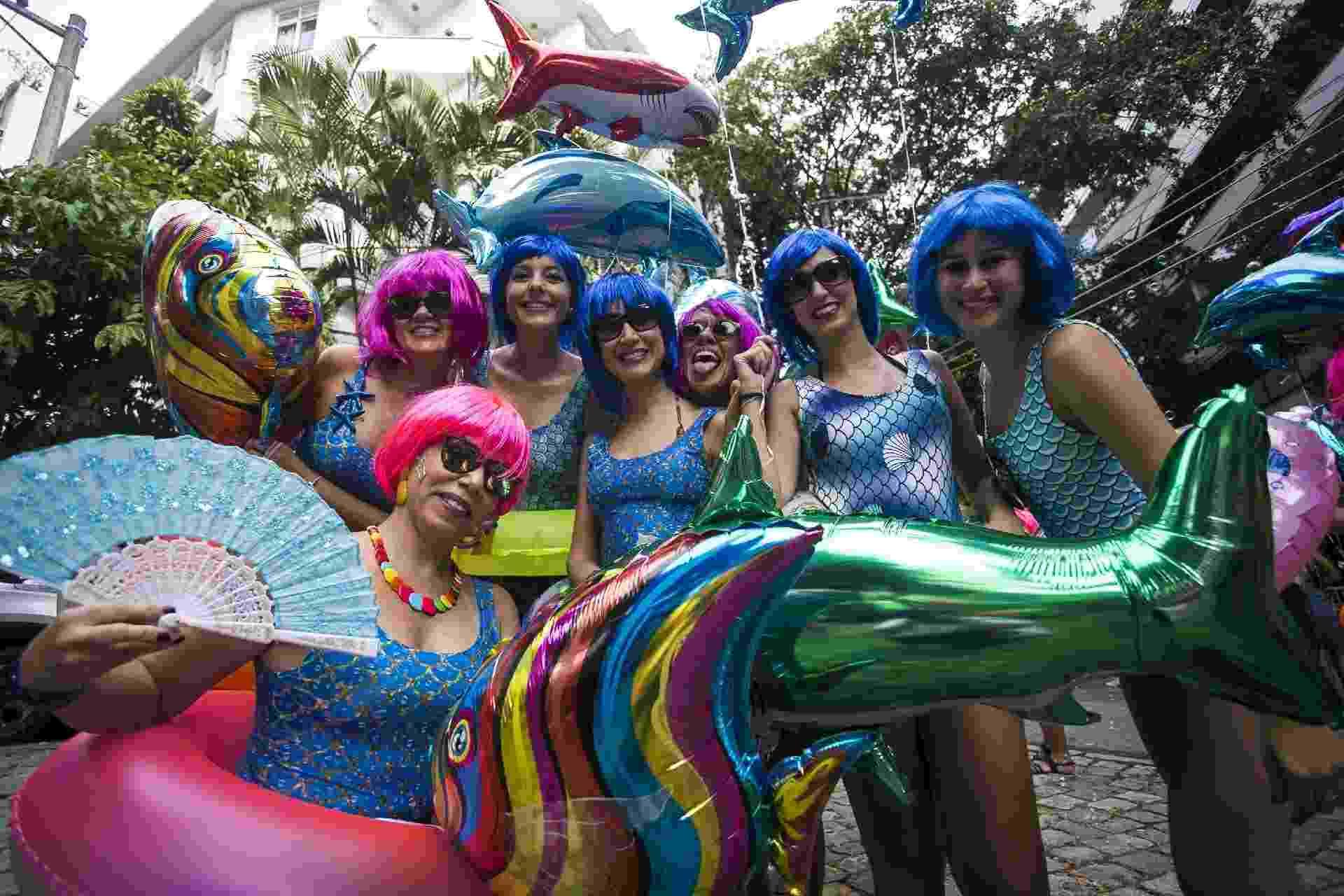 Foliões se reúnem no bloco de carnaval Suvaco do Cristo, na Jardim Botânico, zona sul do Rio de Janeiro - Bruna Prado/UOL