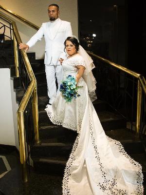 4fb7c484180 Estilista dá dicas de vestidos para noivas com nanismo assim como ...