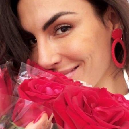 Mel Fronckowiak ganhou flores em seu primeiro Dia das Mães - Reprodução/Instagram