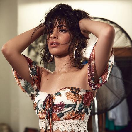 Camila Cabello em foto de divulgação de seu primeiro disco solo - Divulgação