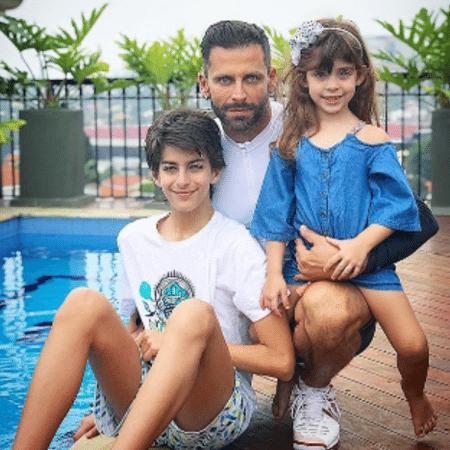 Henri Castelli com Lucas e Maria Eduarda - Reprodução/Instagram