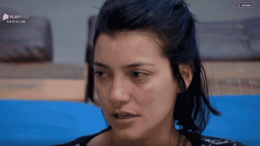 """Gabi chora e desabafa sobre clima em """"A Fazenda 10"""" - Reprodução/PlayPlus"""