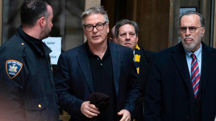 Alec Baldwin deixa corte em Nova York após se declarar culpado em briga por vaga em estacionamento - Don Emmert/AFP