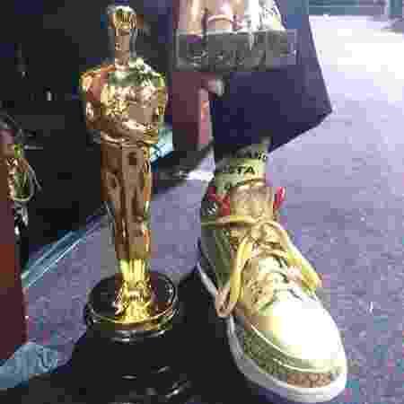 Spike Lee divulgou foto com o tênis ao lado do Oscar - Reprodução