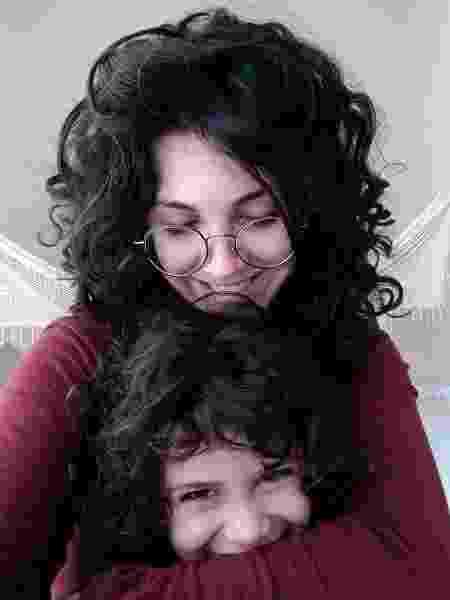 A estudante Nathalia Gastaldo com o filho, Abel  - Arquivo Pessoal