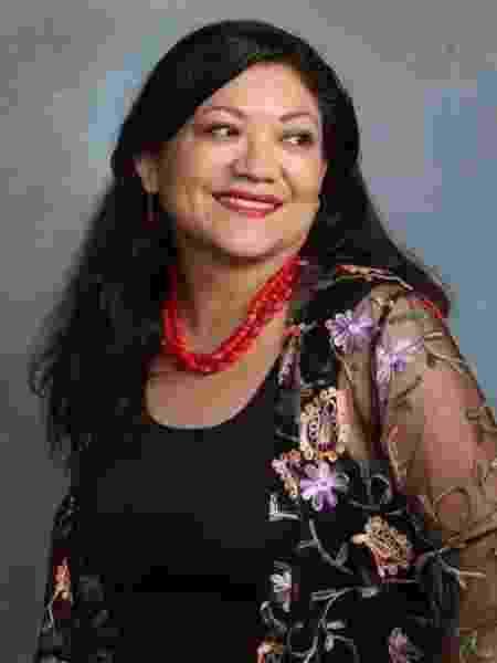 A autora mexicana Reyna Grande - Reprodução/reinagrande.com
