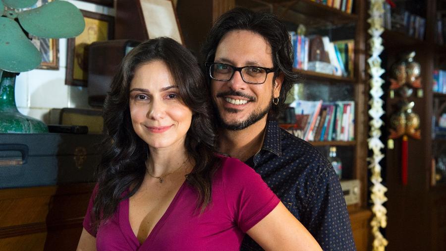 Josefina ( Aline Fanju ) e Roney ( Lúcio Mauro Filho ). - Globo/Estevam Avellar