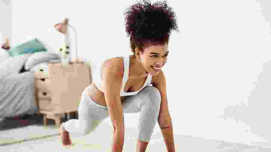 Fazer exercícios eleva o astral e combate emoções negativas - iStock