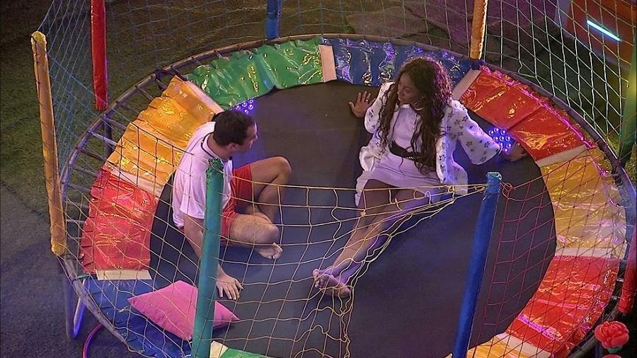 BBB 21: Camilla e Gilberto especulam sobre o campeão do BBB 21 - Reprodução/Globoplay