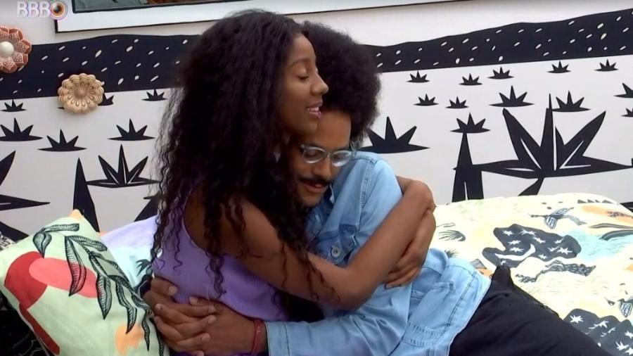 BBB 21: Camilla e João se abraçam e sister agradece amizade - Reprodução/ Globoplay