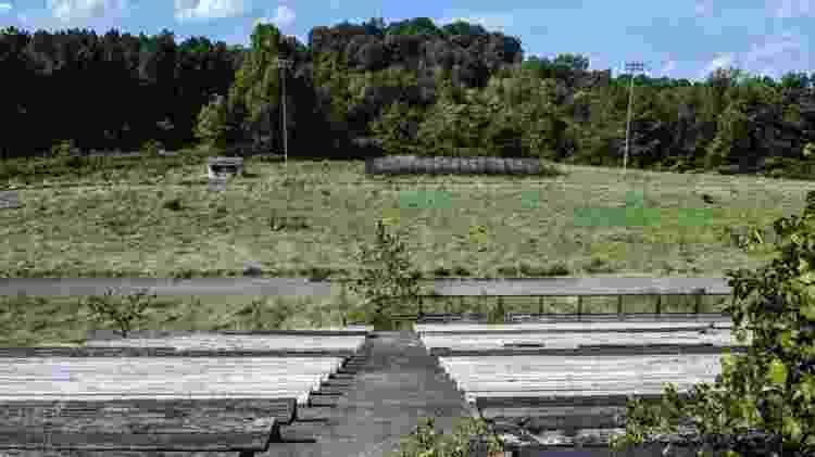 O campo de futebol da escola de Cheshire ficou abandonado após a aquisição de 2002 - Getty Images - Getty Images