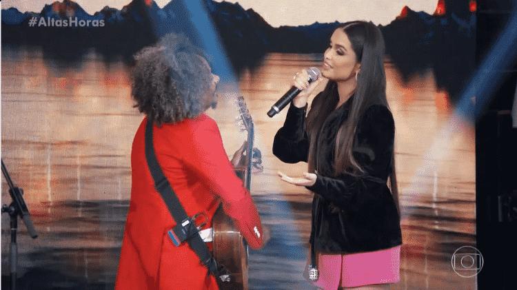 Juliette e Chico César cantam no palco do 'Altas Horas' - Reprodução/Globoplay - Reprodução/Globoplay