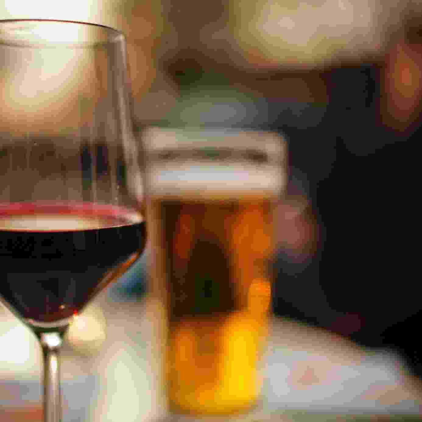 Cerveja e vinho podem ser mantidos na temperatura certa com o auxílio de adegas climatizadas e cervejeiras. Veja alguns modelos dos eletrodomésticos para equipar sua casa - Getty Images