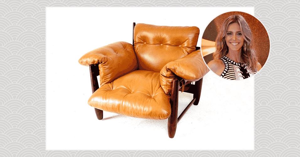 """""""A minha casa é toda decorada com peças do Sérgio Rodrigues que arrematei num leilão. Desde a cama que eu durmo até a mesa do café são assinadas por ele. É um mobiliário absurdo, super de época e sou tradicional com a estética da casa, então não ouso desejar mais nada"""", Fernanda Lima, apresentadora - Aline Arruda/ UOL/ Alex Palarea e Felipe Panfili/ AgNews/ Arte UOL"""