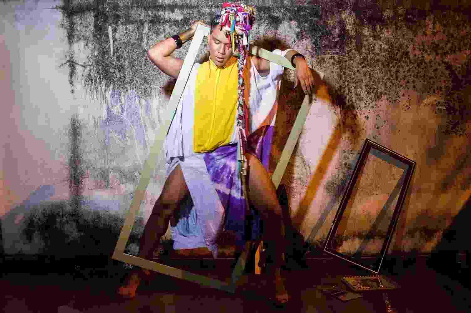 Vicente Perrota faz roupas novas a partir de peças descartadas - Rafael Kennedy e Carlos Poblete/Bapho Produções/Divulgação