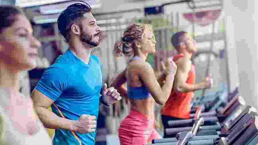 """A quantidade """"recomendada"""" é de pelo menos 75 minutos por semana de intensidade vigorosa ou pelo menos 150 minutos por semana de exercício de intensidade moderada - iStock"""