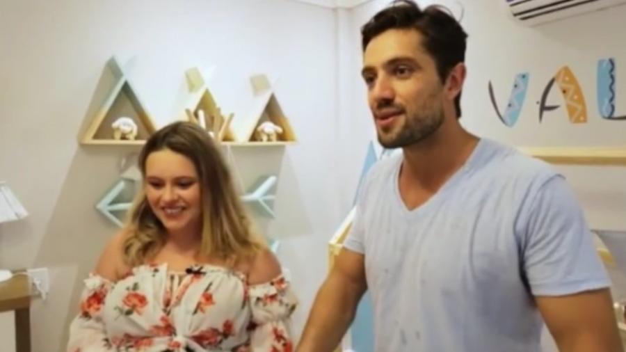Rafael Cardoso e Mariana Bridi no quarto do filho que está para nascer - Reprodução/Instagram/maribridi