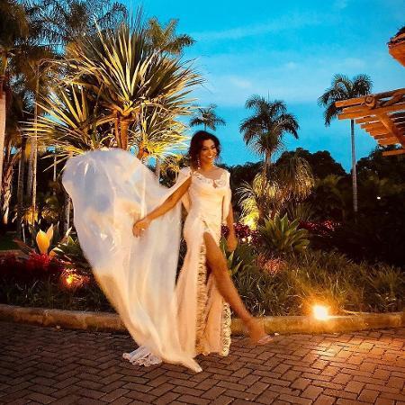 Juliana Paes confunde seguidores com vestido escolhido para casamento de Isis Valverde - Reprodução/Instagram/julianapaes