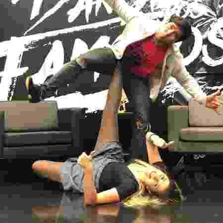 """Reginaldo Sama e Dani Calabresa nos bastidores do ensaio para a """"Dança dos Famosos"""" - Reprodução/Instagram/reginaldosamaoficial - Reprodução/Instagram/reginaldosamaoficial"""