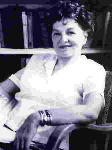 A escritora P.L. Travers - Divulgação
