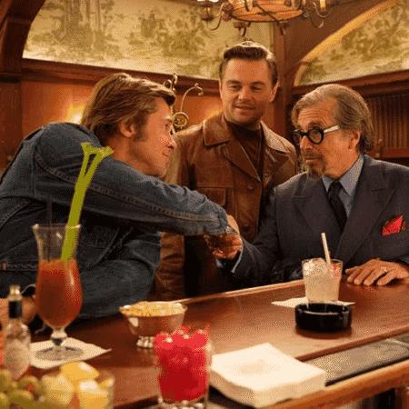 """Brad Pitt, Leonardo DiCaprio e Al Pacino em cena de """"Era Uma Vez em... Hollywood"""" - Reprodução"""
