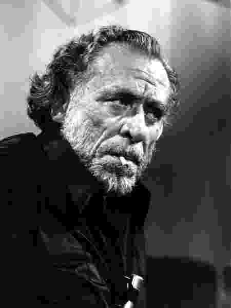 O escritor Charles Bukowski em retrato feito na França, em 1978 - Ulf Andersen/Getty Images