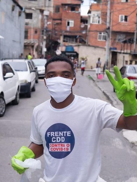 João Felix faz parte da Frente CDD, ação social que tem atuado na Cidade de Deus ajudando famílias durante a pandemia - Divulgação