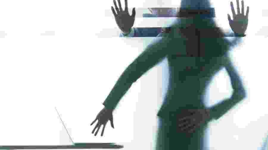 Segundo a lei, assédio sexual é o tipo de crime cometido quando há diferença de nível herárquico - Getty Images/iStockphoto