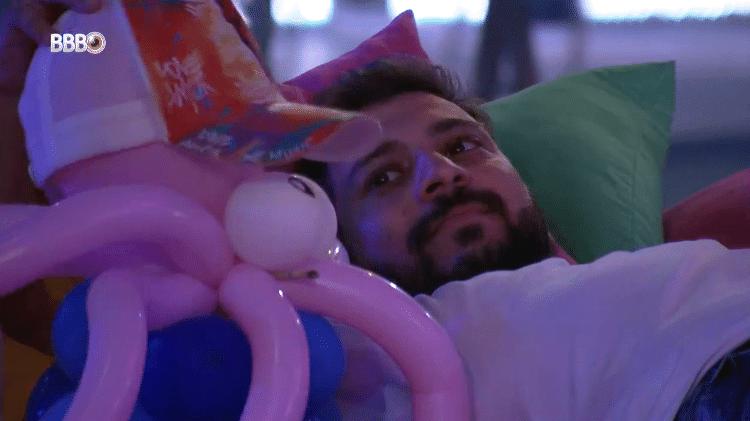 "BBB 21: Caio chama polvo de ""Rodolffo"" na festa da líder Viih - Reprodução/Globoplay - Reprodução/Globoplay"