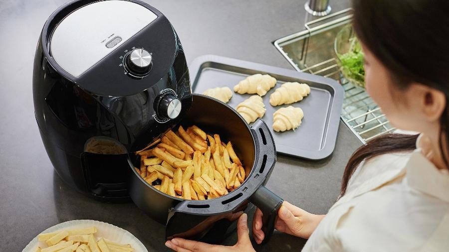 As air fryers, fritadeiras elétricas sem óleo, vêm ganhando espaço nas cozinhas brasileiras - Getty Images